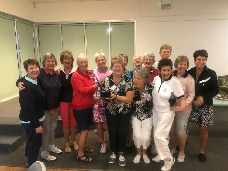 Nelson Bay celebrates 3-club swing victory