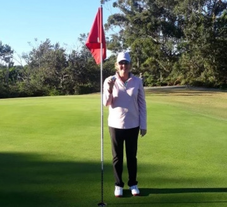 Skinner-Oyston gets hole-in-one on first shot of the day!